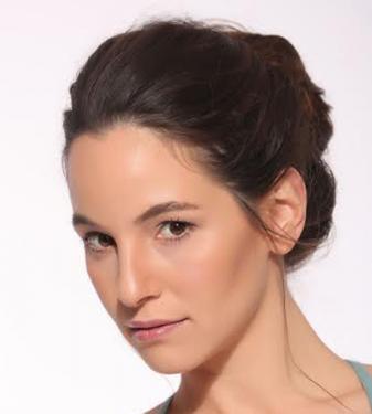 ליהי אברמזון שחקנית תיאטרון הכרכרה